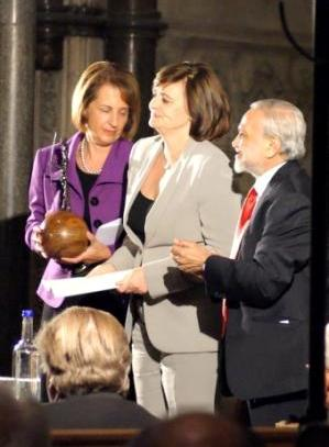 Lord Bhikhu Parekh, Cherie Blair and Professor Carolyn Hamilton (Director of Childrens Legal Centre) receiving the Peace Award