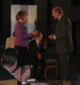 Denis Halliday presenting the Peace Award to Professor Carolyn Hamilton