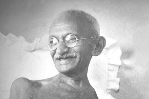 Gandhi_smiling_1942 (2)